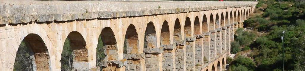 Pont del Diable (Devil's Bridge). Roman aqueduct outside of Tarragona, Catalonia