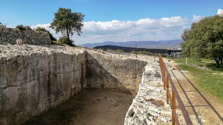 Roman cistern (2nd-1st century), Olèrdola monumental complex - Cisterna romana (segles II-I aC)