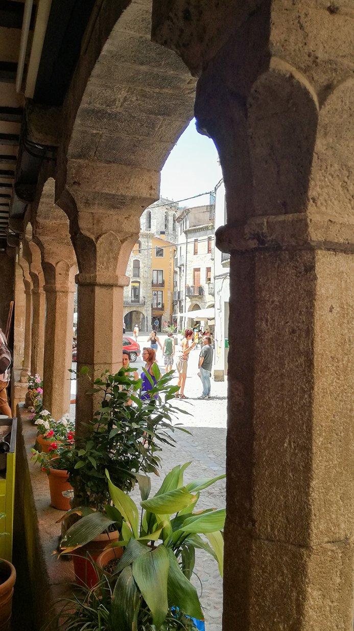 Medieval archway, Besalú
