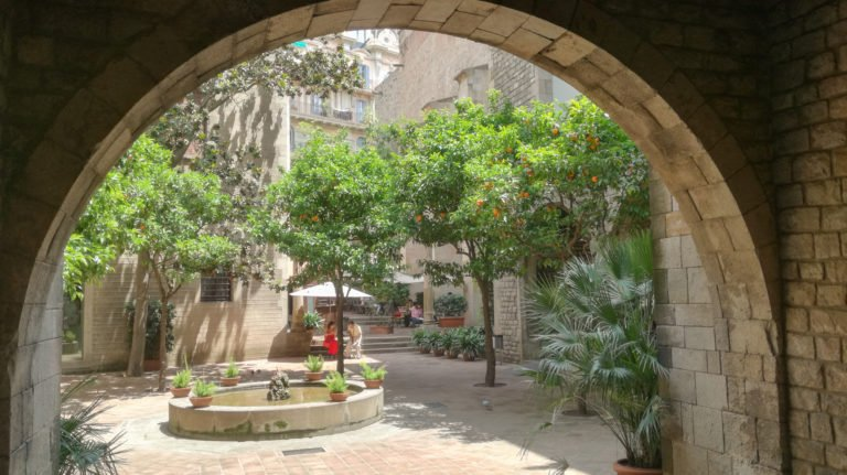 Barcelona courtyard, Gothic Quarter