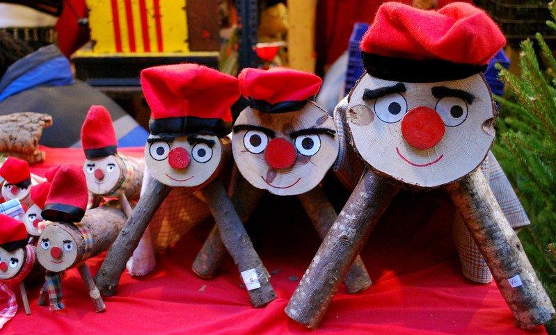 Caga tió, Christmas log, Barcelona, Catalonia