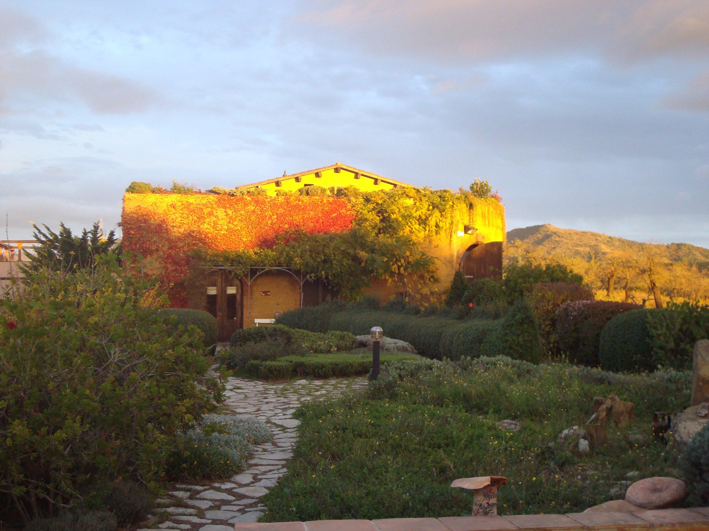 Clos Mogador winery, Priorat. Image by Clos Mogador