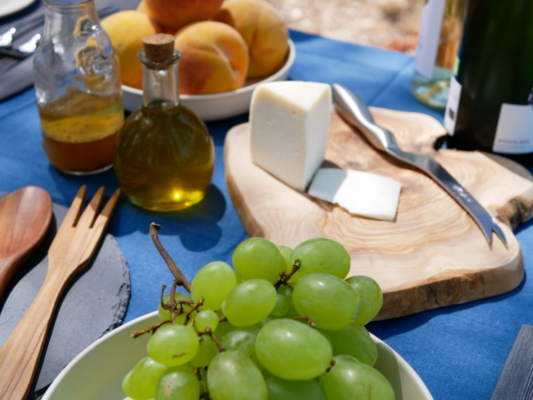 Gourmet Picnic, with local foods and Priorat wine, Catalonia